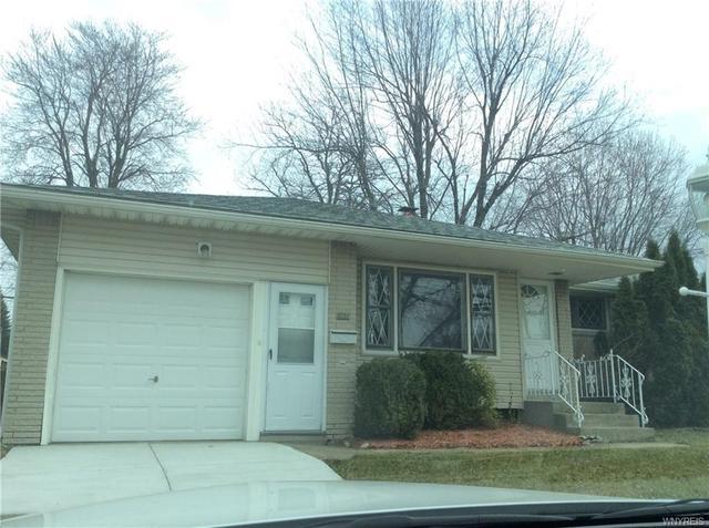 121 Cresthaven Dr, West Seneca, NY 14224