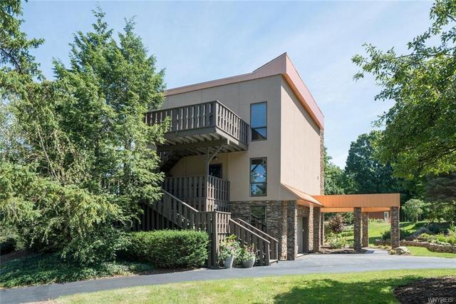 6985 Chestnut Ridge Rd, Orchard Park, NY 14127