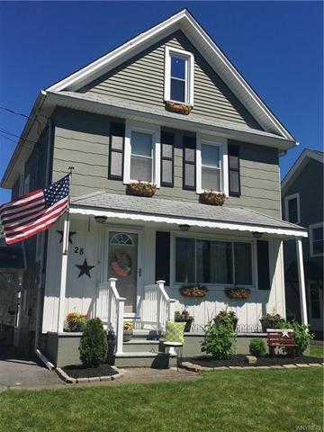 28 Woodlawn Ave, Lancaster, NY 14086