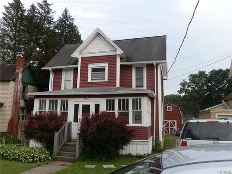 31 1st Ave, Franklinville, NY 14737