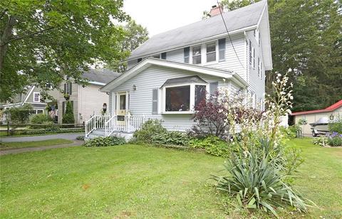 123 Maple Rd, East Aurora, NY 14052