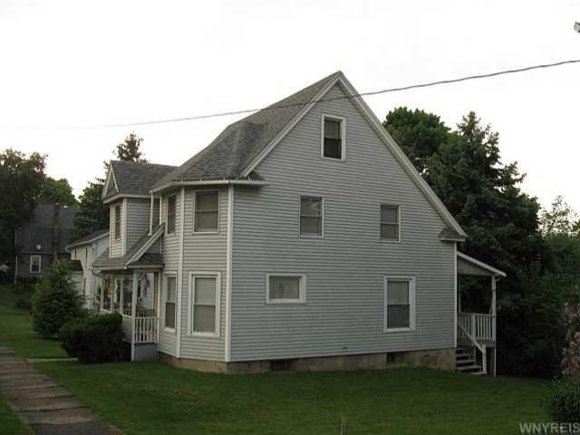 14 N Center St, Perry, NY 14530