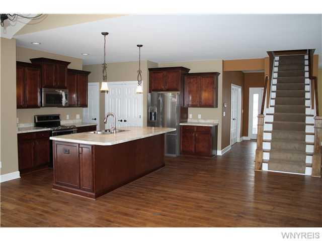 1005 Little Vista Drive, Lewiston, NY 14092