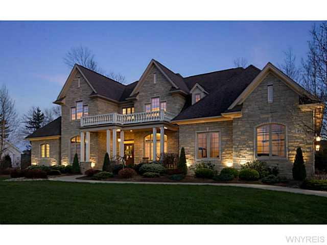 47 Birdsong Pkwy, Orchard Park, NY 14127