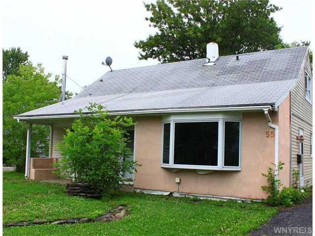 55 Schutt Ct, Grand Island, NY 14072