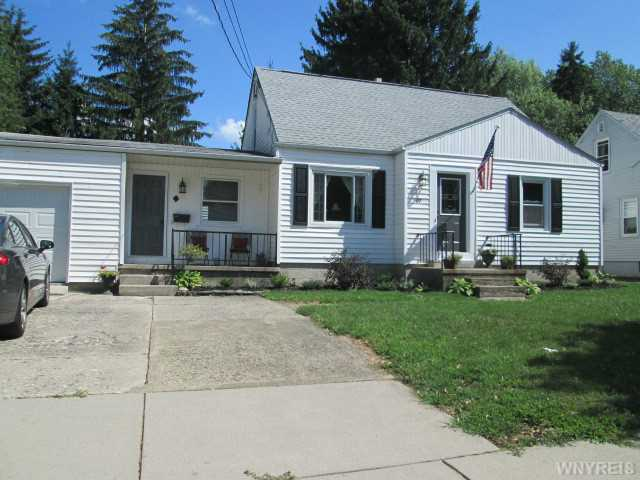 49 Norris Ave, Lancaster, NY