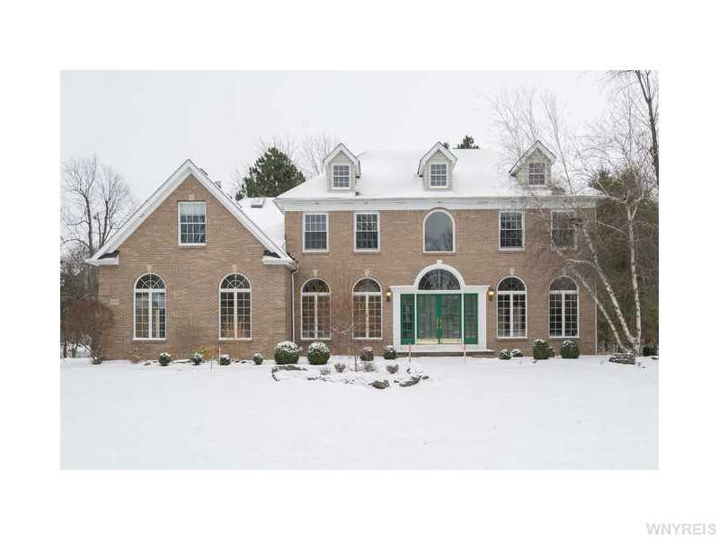 9755 The Maples, Clarence, NY