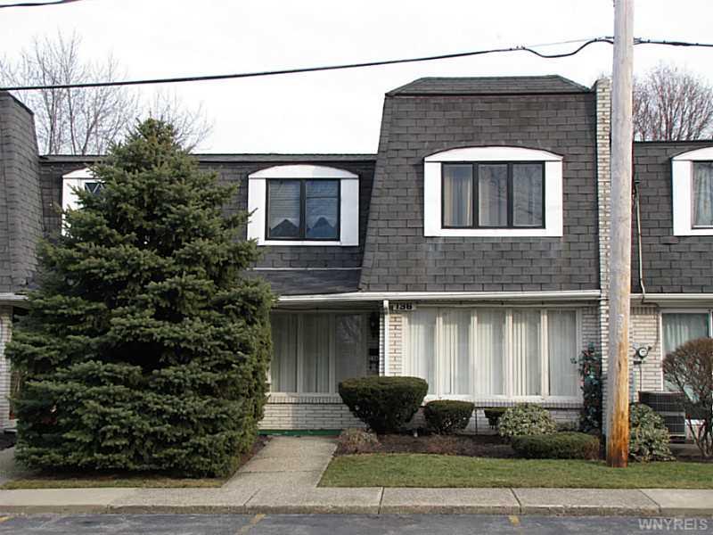 136 Harrogate Sq, Buffalo, NY