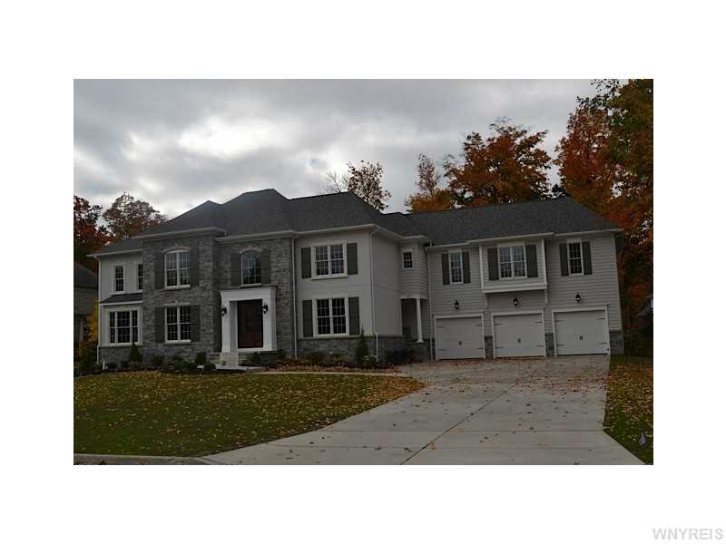 5057 Shale Bluff Ct, Clarence, NY