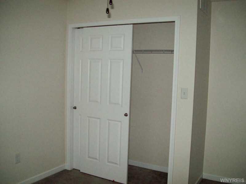 2365 Agassiz Dr, Lake View NY 14085