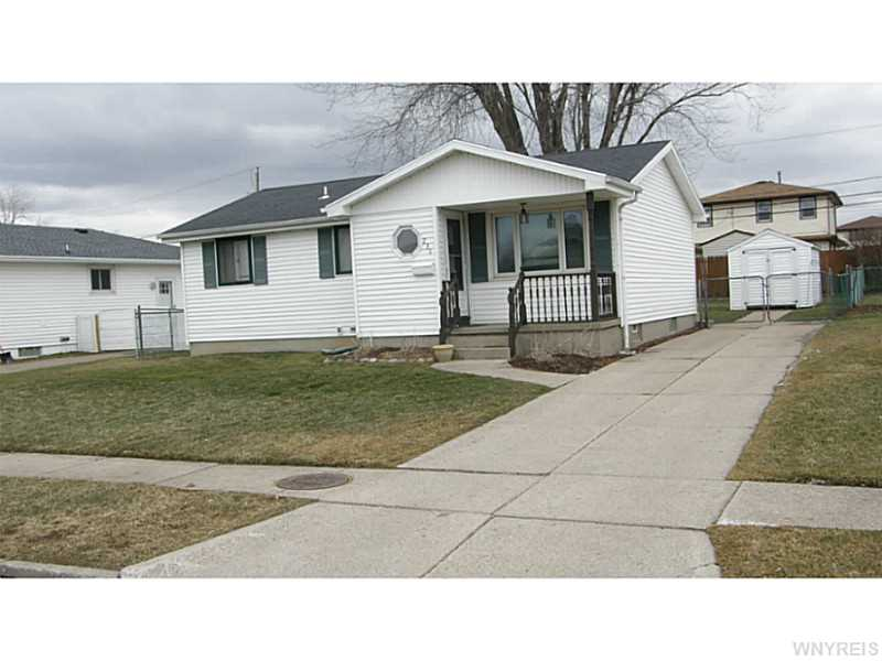 236 Highview Cir, Buffalo NY 14219