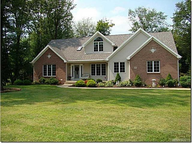 8936 Carriage Xing, Eden, NY 14057