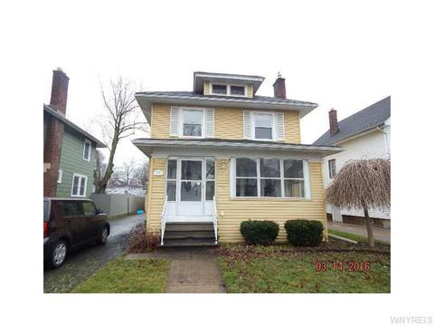 33 Howard Ave, Lockport, NY 14094
