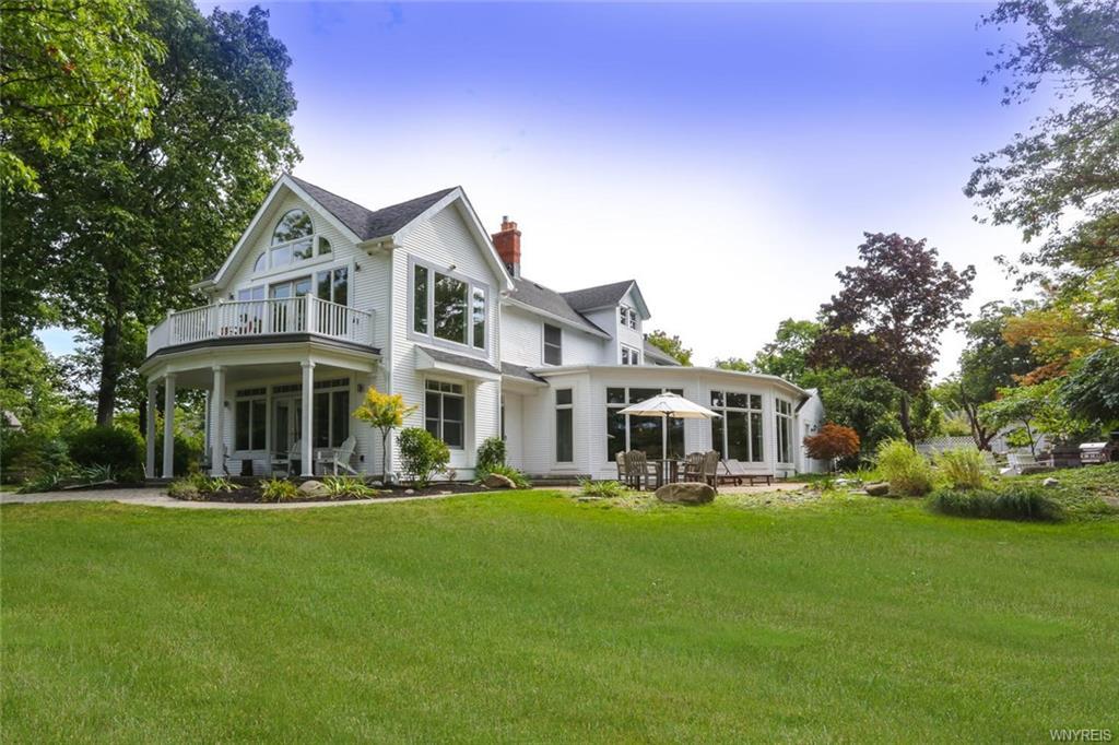 1225 W Arnold Drive, Lake View, NY 14085