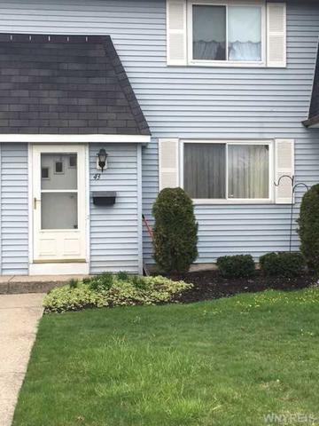 43 Parkview Ct, Lancaster NY 14086