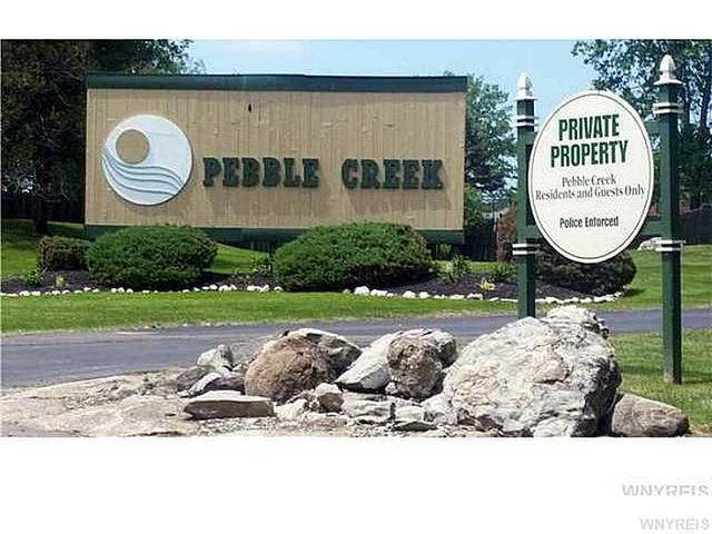 10 Pebble Creek Dr, Buffalo, NY 14227