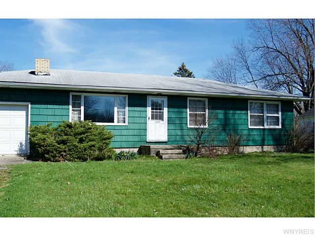 577 Ransom Rd, Lancaster NY 14086