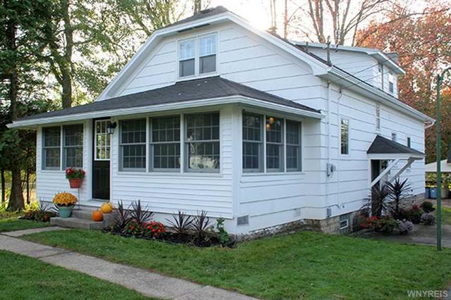 569 Harris Hill Rd, Lancaster NY 14086
