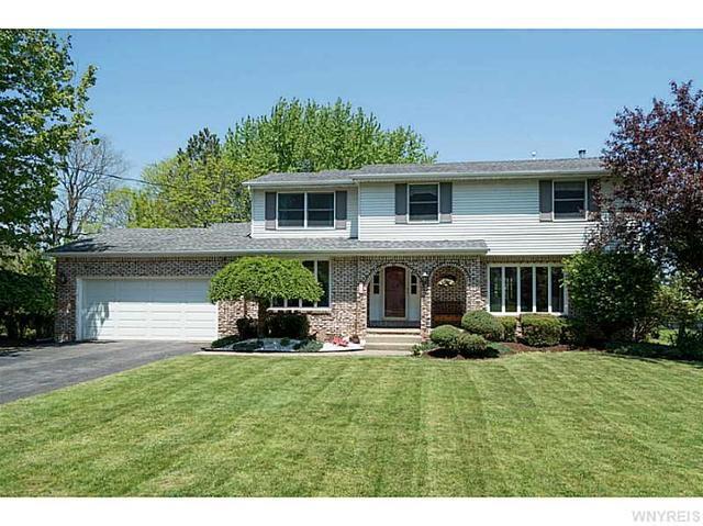 19 Kathryn Dr, Orchard Park, NY