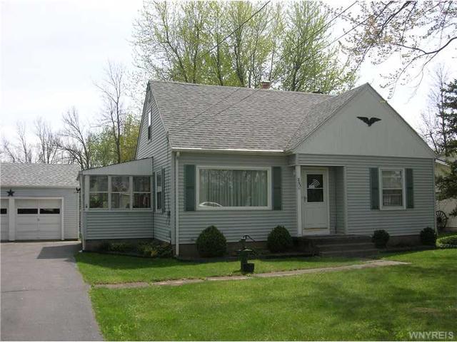 5743 Genesee St, Lancaster NY 14086