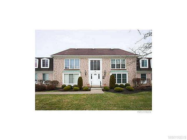 10 Carriage Dr #APT 7, Orchard Park, NY