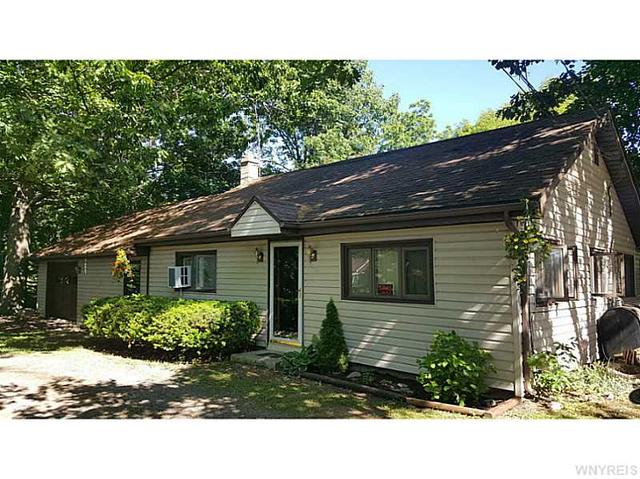 1707 Harrison Ln, Youngstown, NY 14174