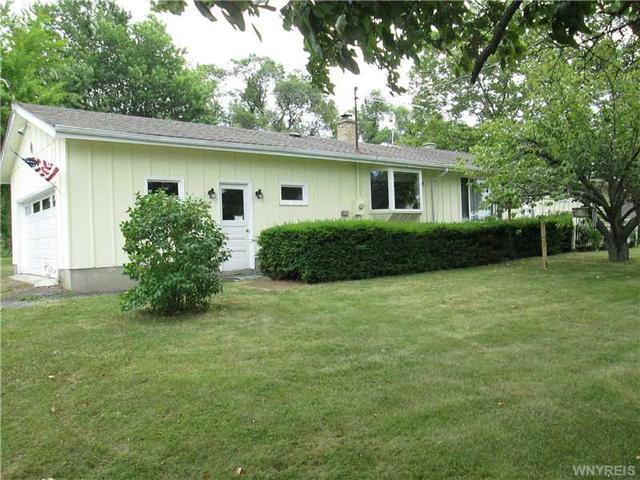 3645 Wruck Rd, Middleport, NY 14105
