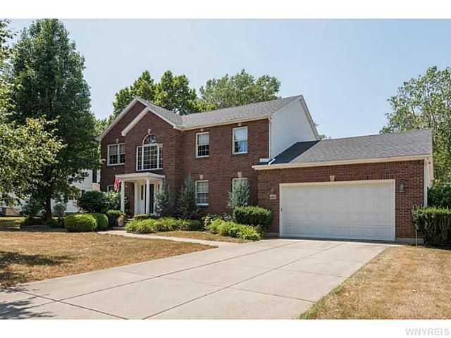 4960 Cliffside Dr W, Clarence, NY 14031
