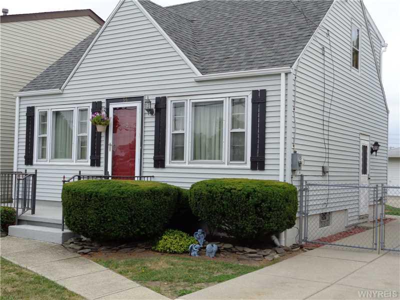 95 Fernwood Ave, Buffalo, NY 14206