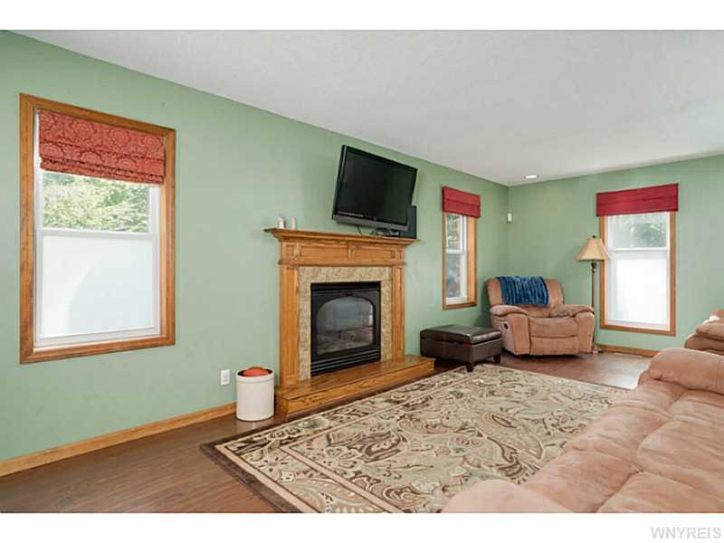 5676 Birchwood Drive, Lake View, NY 14085