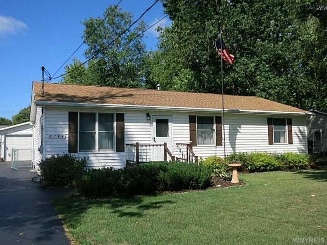 5794 Dover Rd, Lake View, NY 14085