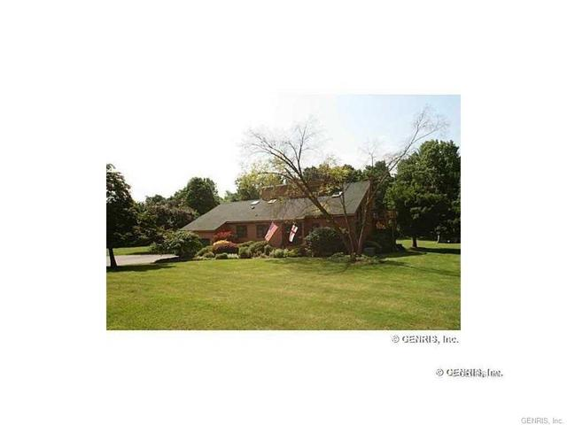 98 Canfield Rd, Pittsford, NY 14534