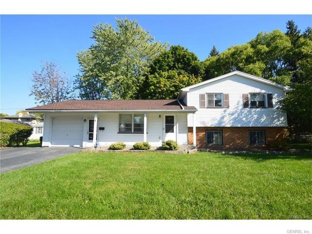 8 Alhambra Dr, Rochester, NY 14622