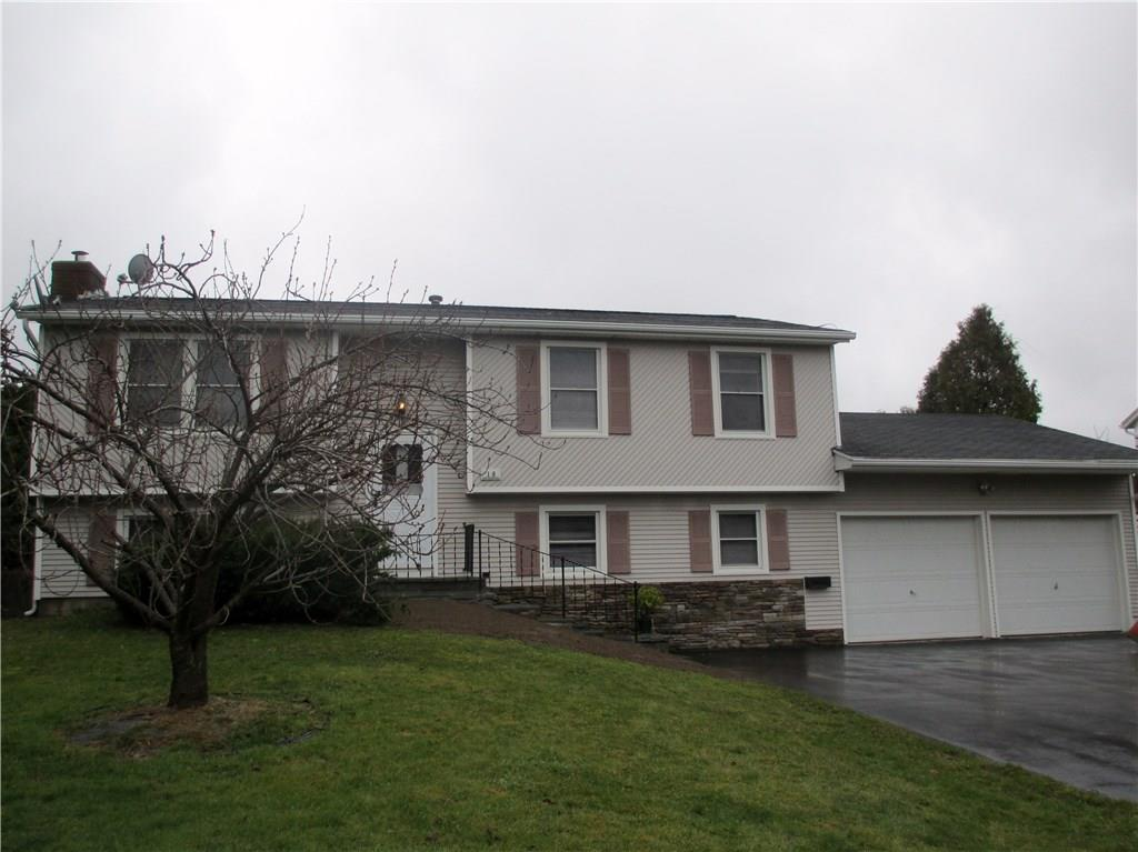 18 Dorsetwood Dr, Rochester, NY 14612