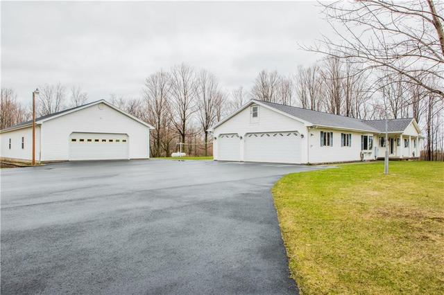 7589 Stoney Lonesome Rd, Williamson, NY 14589
