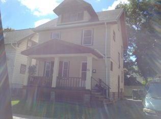 321 Roycroft Dr, Rochester, NY 14621