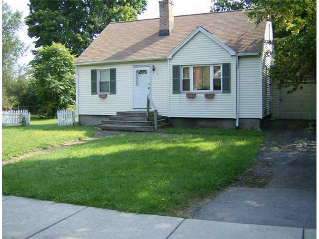 34 Cabot Rd, Rochester, NY 14626