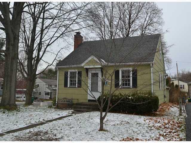 710 Eaton Rd, Rochester, NY 14617