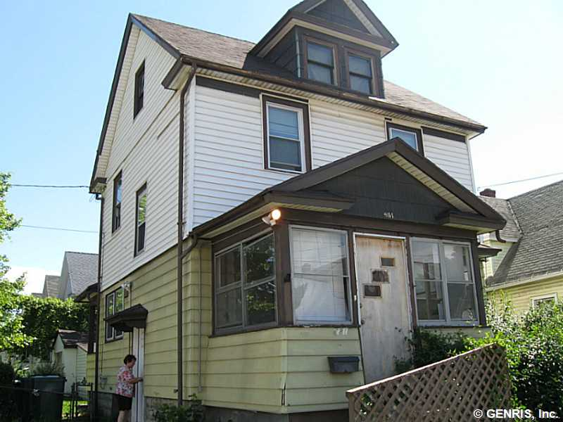 681 Emerson St, Rochester, NY