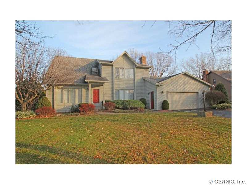 152 Old English Dr, Rochester, NY