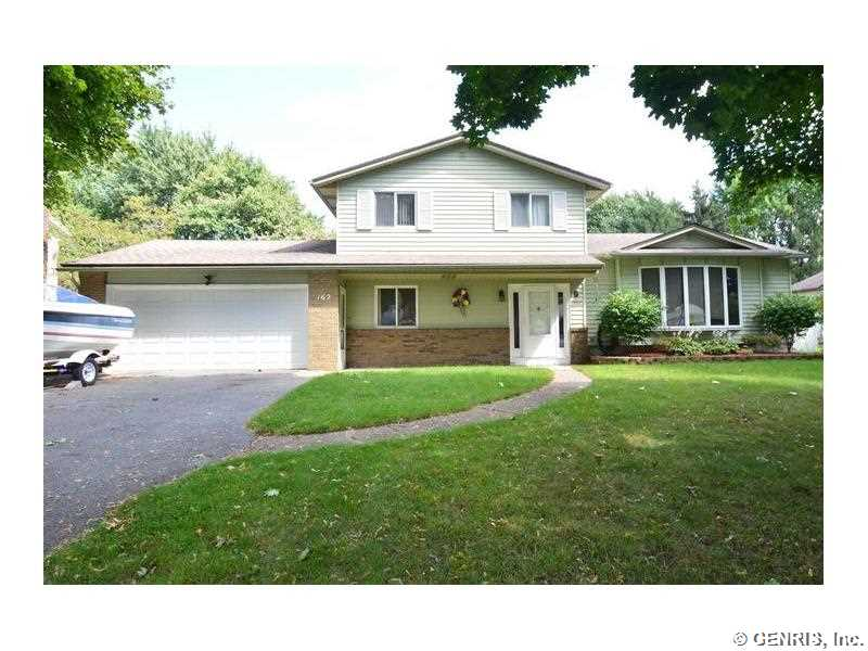 162 Vineyard Dr, Rochester, NY
