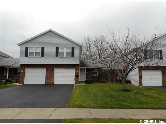 124 Flower Dale Dr, Rochester, NY 14626