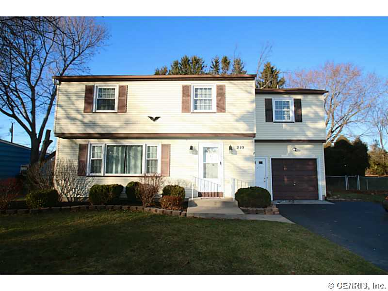 210 Picturesque Dr, Rochester, NY