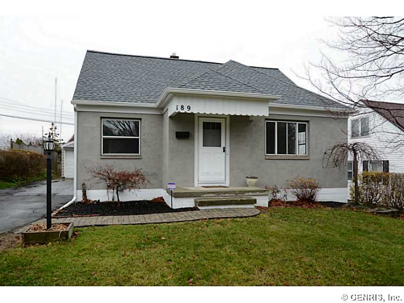 189 Parkview Ter, Rochester, NY