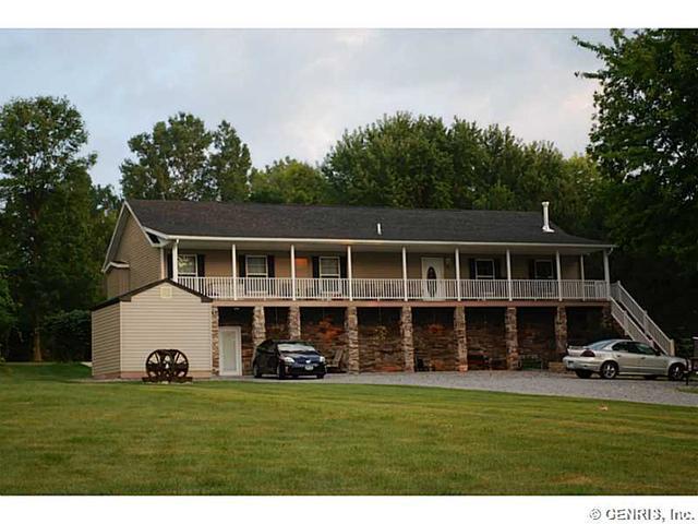 4547 E Lake Rd, Livonia NY 14487