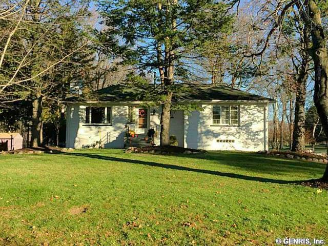 556 Ridgemont Dr, Rochester, NY