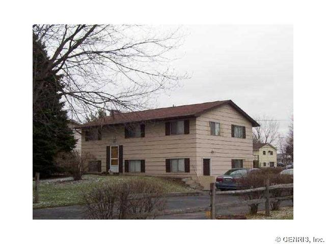 182 Kenwick Dr, Rochester, NY