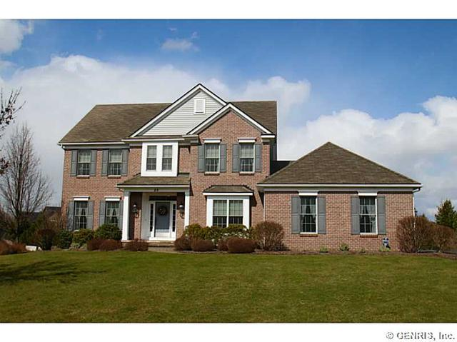 29 Rollins Xing, Pittsford, NY