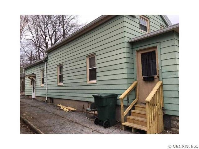 27 Leavenworth St, Rochester, NY 14613