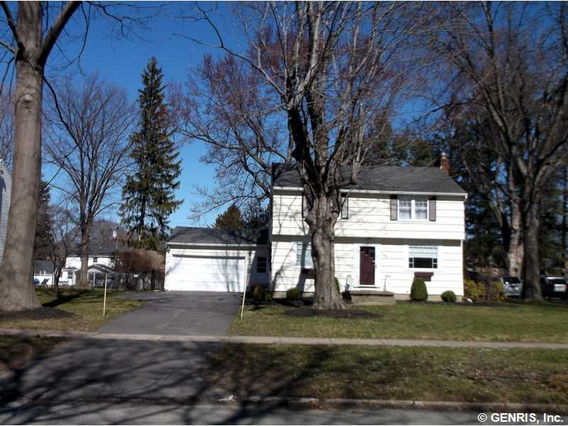 168 Pinecrest Dr, Rochester, NY